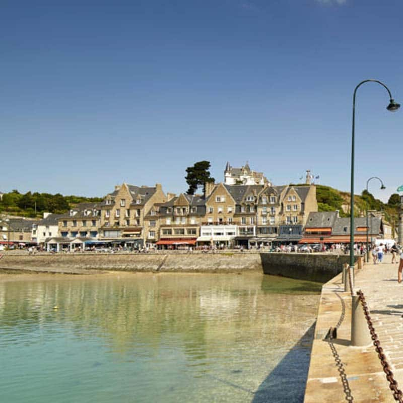 Cancale port jeté marches flat oysters wild oysters hollow shellfish farming fishermen's home
