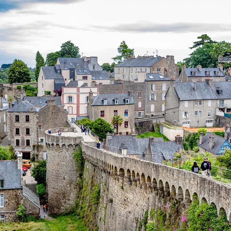 Dinan befestigte Stadtmauer Burg