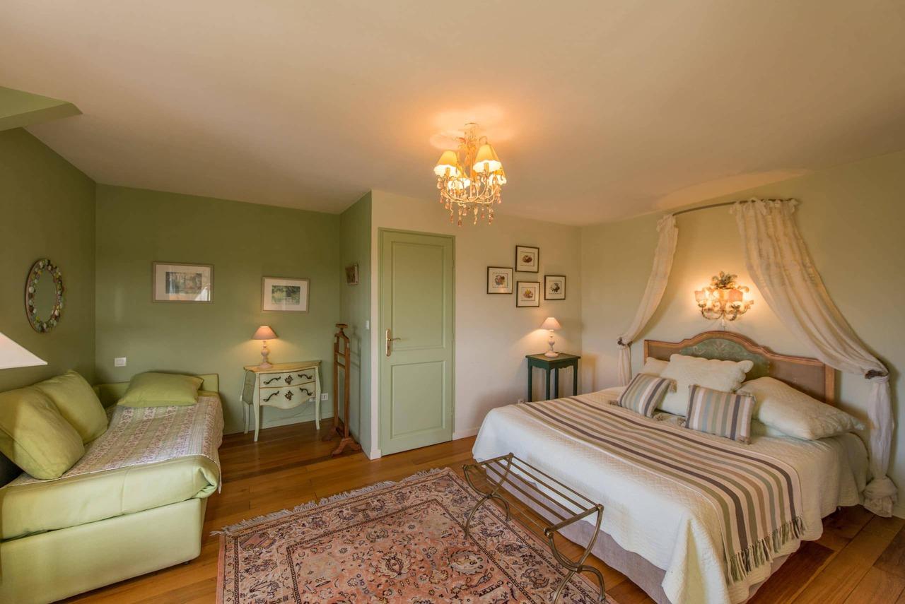 manoir B&B Location Bretagne La Barbinais chambres hotes saint malo cezembre lit appoint
