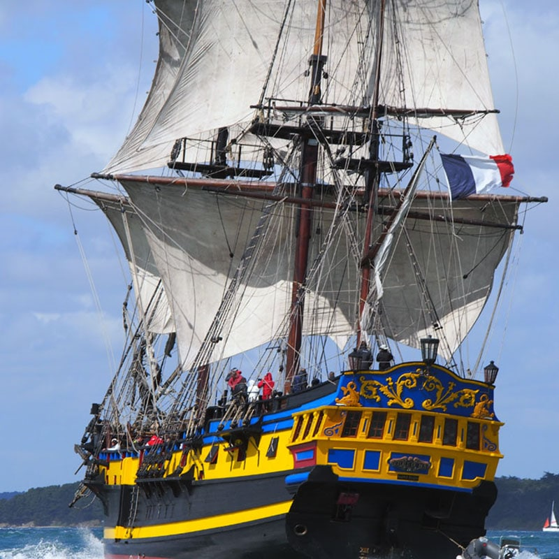 Saint malo fregate corsair Étoile Roy three-masted 20-gun square replica British frigate