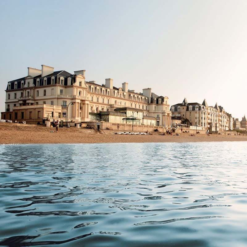 Marine thermal baths Saint Malo dominating fine sandy beach sea front thalassotherapy