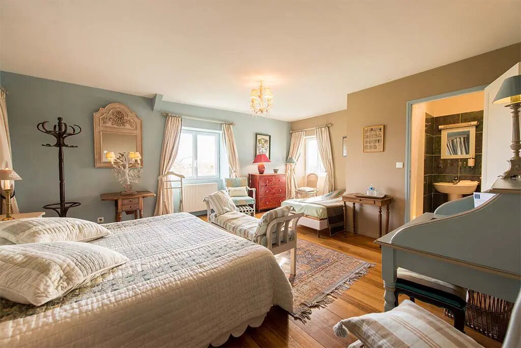 frans landhuis XVIII BB La Barbinais chambres hotes saint malo peuplier badkamer