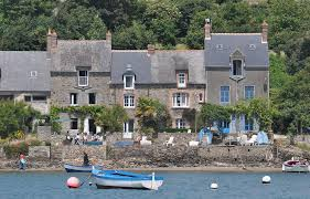 Saint Suliac tourism brittany ille and vilaine most beautiful villages of France sea view rancid fisherman's house bord de rance